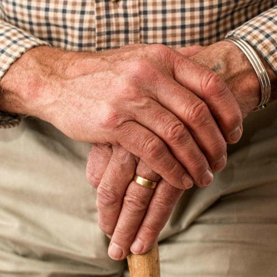 Cuidado de personas mayores en Cadiz